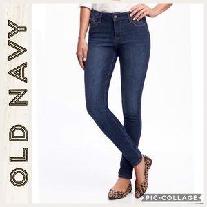 Old Navy • Original Mid-Rise Skinny Jeans • 6 Reg